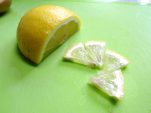 比内地鶏マイスターを目指す店長の日本一の比内地鶏ブログ-レモンスライス